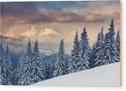 Majestic Sunset In The Mountains Wood Print