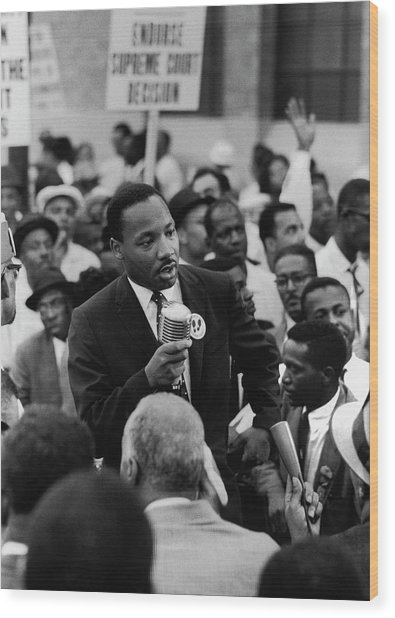 Martin Luther King Jr Wood Print by Francis Miller