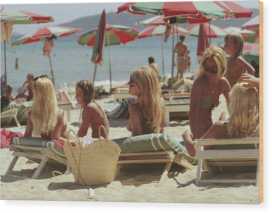Saint-tropez Beach Wood Print by Slim Aarons