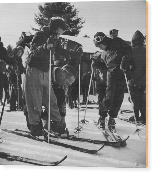 New England Skiing Wood Print by Slim Aarons