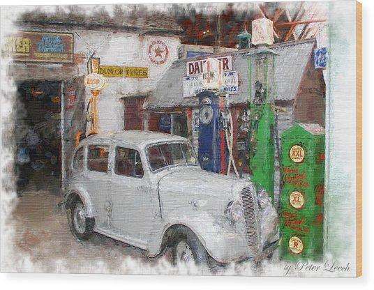 1950s Garage Wood Print