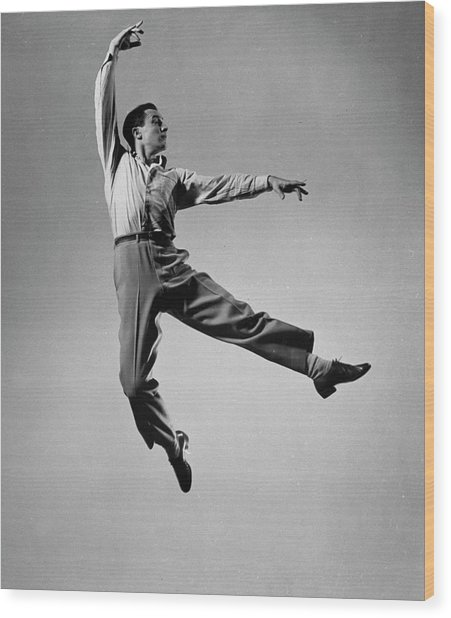 Gene Kelly Wood Print by Gjon Mili