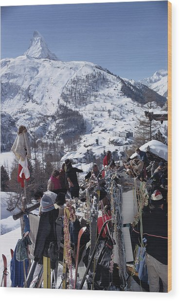 Zermatt Skiing Wood Print by Slim Aarons