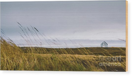 Beautiful Panoramic Photos Of Icelandic Landscapes That Transmit Beauty And Tranquility. Wood Print