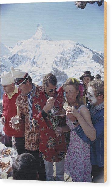 Zermatt Skiing Wood Print by Slim Aarons
