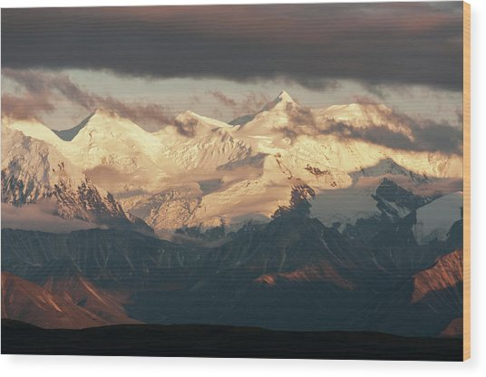 Alaska Range With Mt Brooks Wood Print