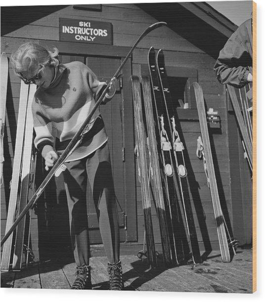New England Skiing Wood Print by Slim Aarons
