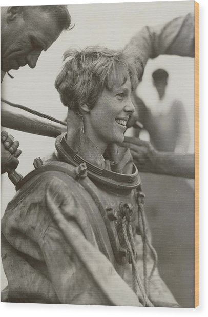 Amelia Earhart, American Aviatrix Wood Print by Science Source