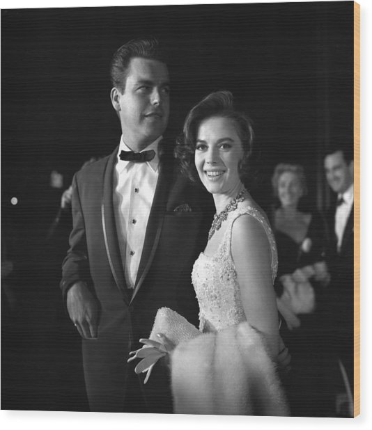 Natalie Wood And Robert Wagner Wood Print by Michael Ochs Archives