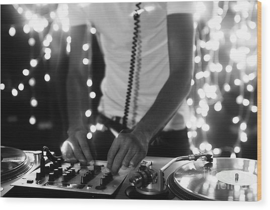 A Cool Male Dj On The Turntables Wood Print