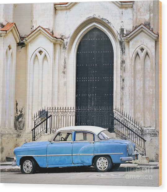 A View Of Classic American Old Car Wood Print by Roxana Gonzalez