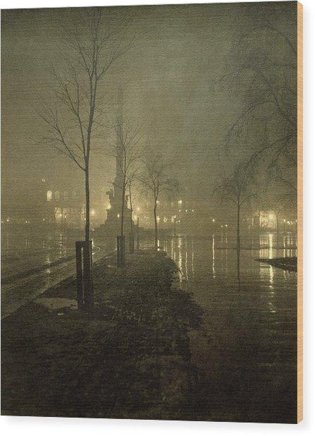 A Wet Night, Columbus Circle, 1898 Wood Print