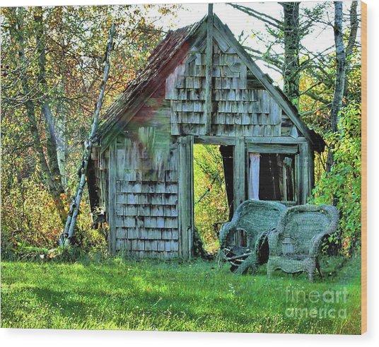 Abandoned Shack Wood Print