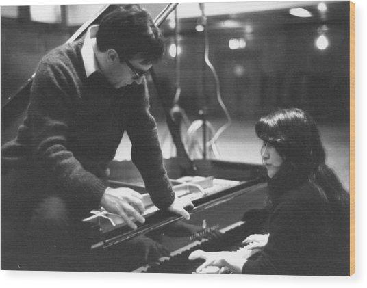 Abbado On Piano Wood Print by Erich Auerbach