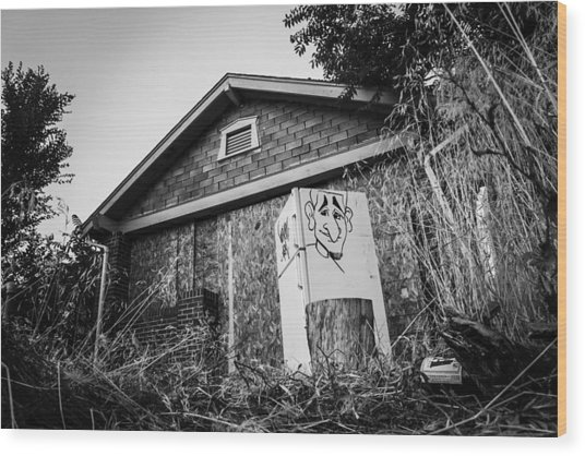 An Abandoned Home With A Personality  Wood Print