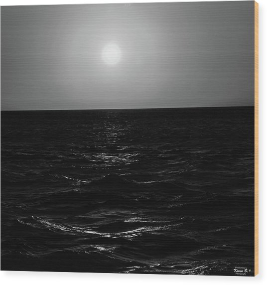 Aruba Sunset In Black And White Wood Print