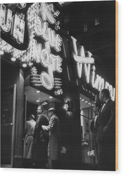 At The Blue Note Cafe Wood Print by Chicago History Museum
