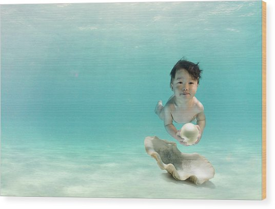 Baby Swimming Underwater With Pearl Wood Print