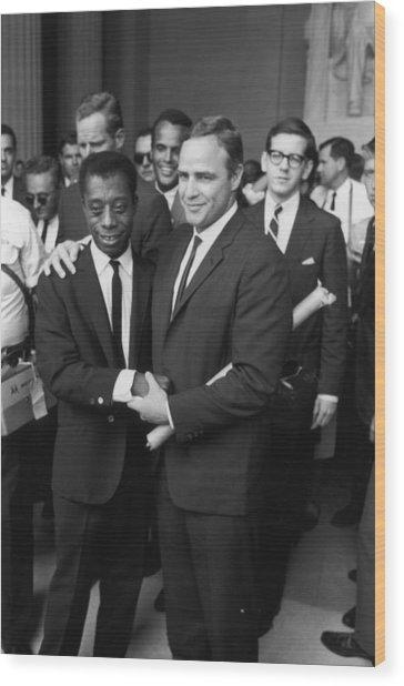 Baldwin & Brando At Lincoln Monument Wood Print by Fred W. McDarrah
