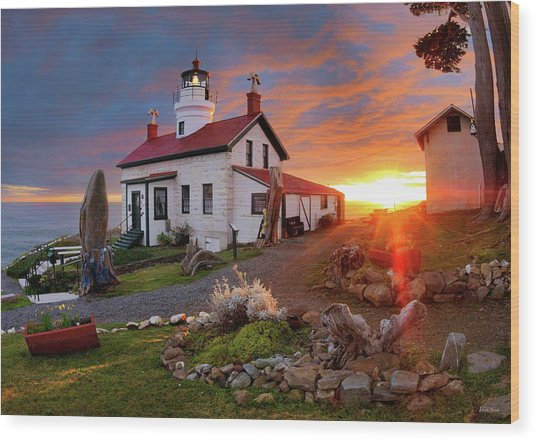 Wood Print featuring the photograph Battery Point Lighthouse by Leland D Howard