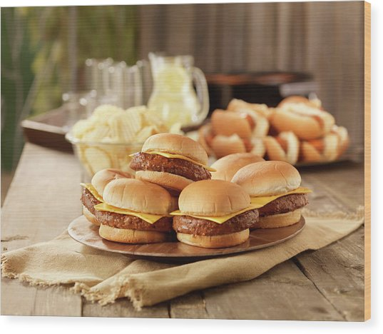 Bbq Cheese Burgers At A Picnic Wood Print