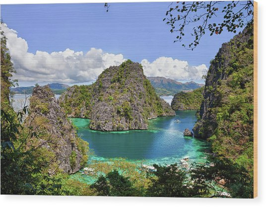 Beautiful Blue Lagoon At Kayangan Lake Wood Print by Fototrav