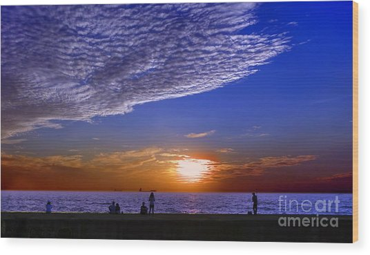 Beautiful Sunset With Ships And People Wood Print