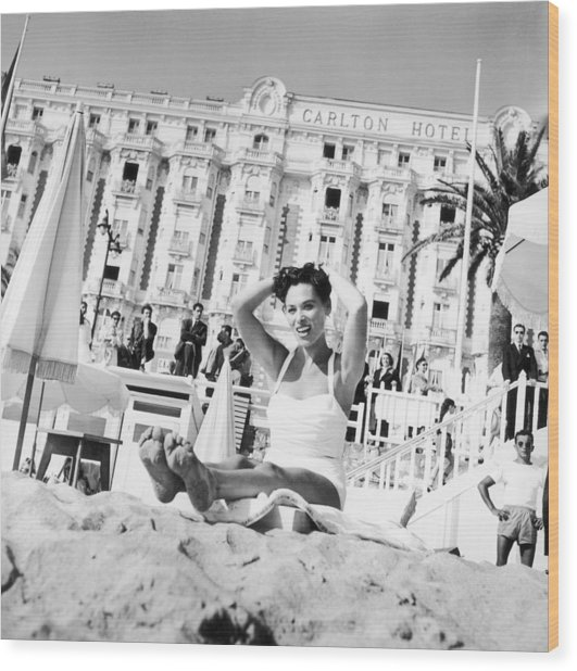 Bella Darvi In Cannes Before The Wood Print