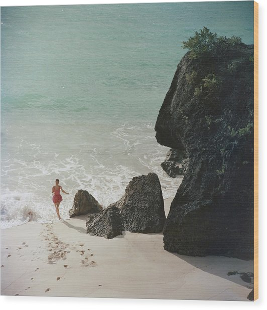 Bermuda Beach Wood Print by Slim Aarons