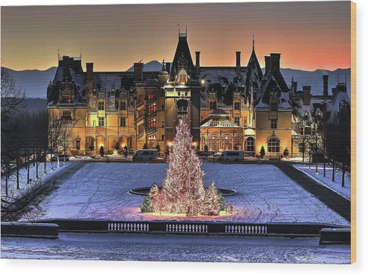 Biltmore Christmas Night All Covered In Snow Wood Print