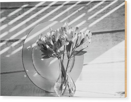 Bouquet And Plate-bw Wood Print