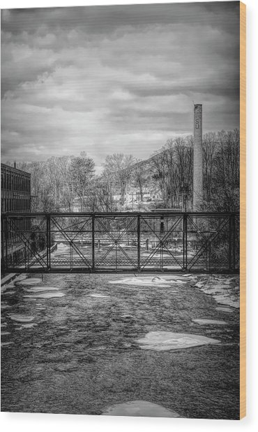 Bridge Over The Sugar River Wood Print