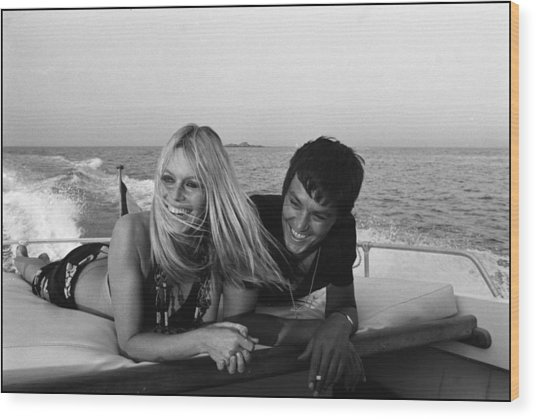 Brigitte Bardot In Saint Tropez, France Wood Print by Jean-pierre Bonnotte