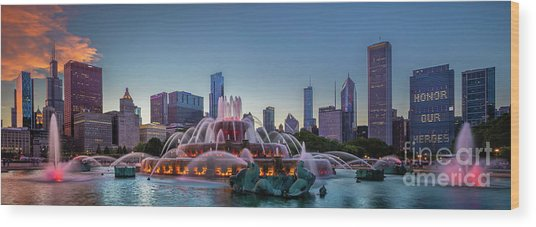 Buckingham Fountain - Panorama Wood Print