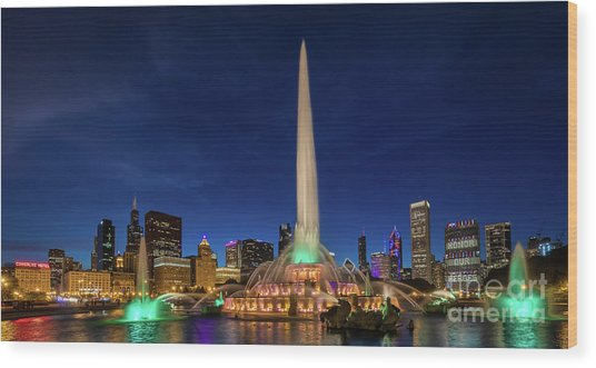 Buckingham Fountain - Six Wood Print
