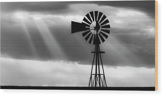 Bw Windmill And Crepuscular Rays -01 Wood Print