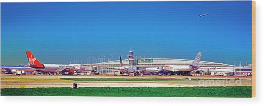Chicago, International, Terminal Wood Print