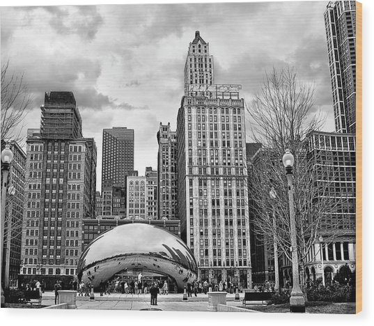 Chicago Skyline In Black And White Wood Print