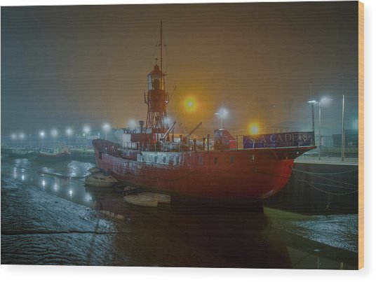 Wood Print featuring the photograph Colne Lightship In The Fog by Gary Eason