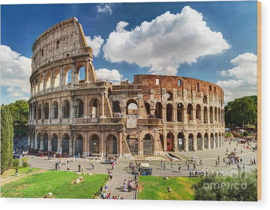 Colosseum In Rome, Italy. Ancient Roman Wood Print