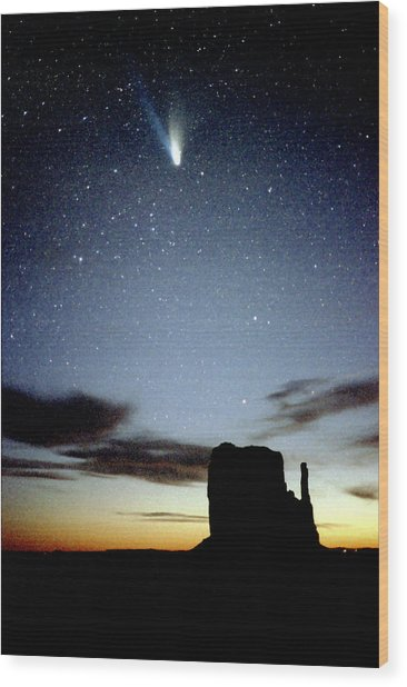 Comet Hale-bopp Over Monument Valley Wood Print