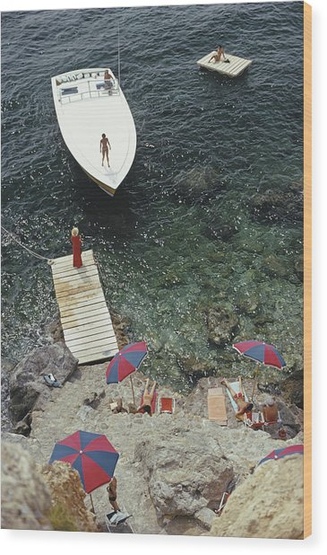 Coming Ashore Wood Print by Slim Aarons