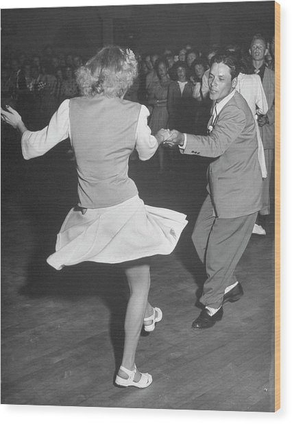 Couples Dancing In A Jitterbug Contest Wood Print