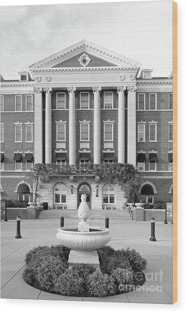Culinary Institute Of America Roth Hall Wood Print