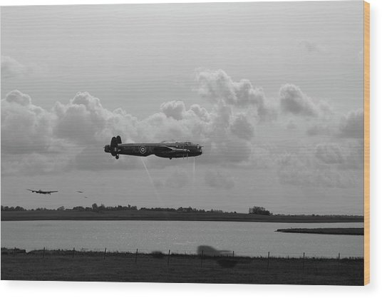 Wood Print featuring the photograph Dambusters Lancasters At Abberton Bw Version by Gary Eason