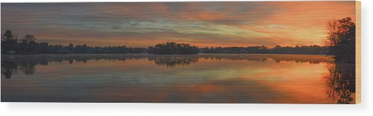 December Sunrise Over Spring Lake Wood Print