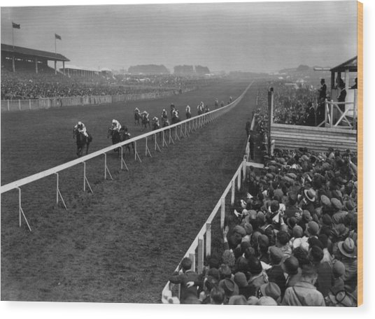 Derby Day Winner Wood Print by Central Press