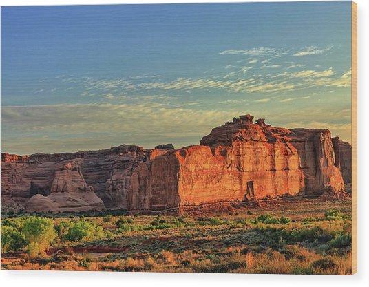 Desert Sunrise In Color Wood Print