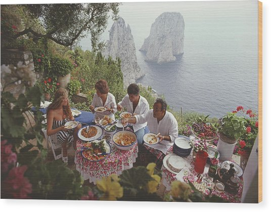 Dining Al Fresco On Capri Wood Print