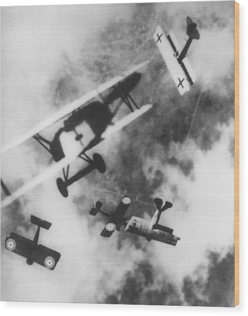 Dogfight Wood Print by Hulton Archive